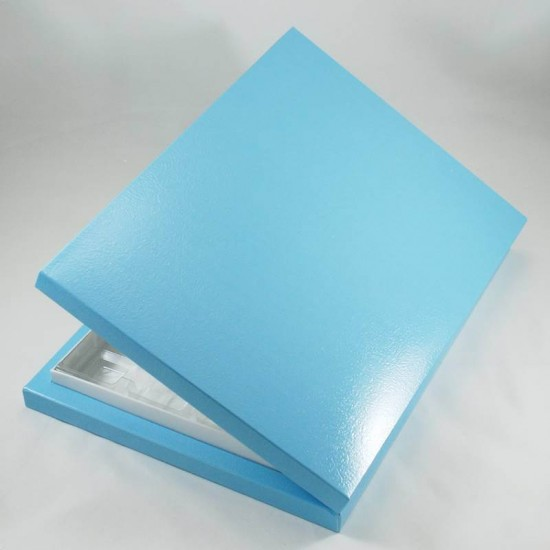24 Bölmeli Madlen Çikolata Kutusu Bebek Mavi Renkli